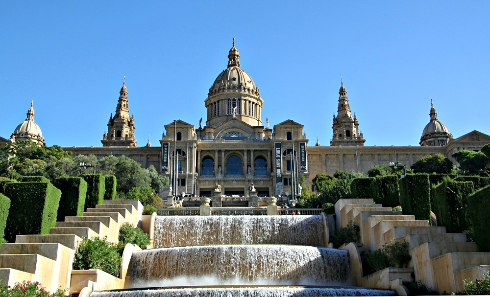 Barcelona Sail and sail tours best day activities in Barcelona