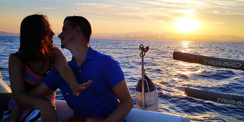 Marriage proposal during a Barcelona sail tour