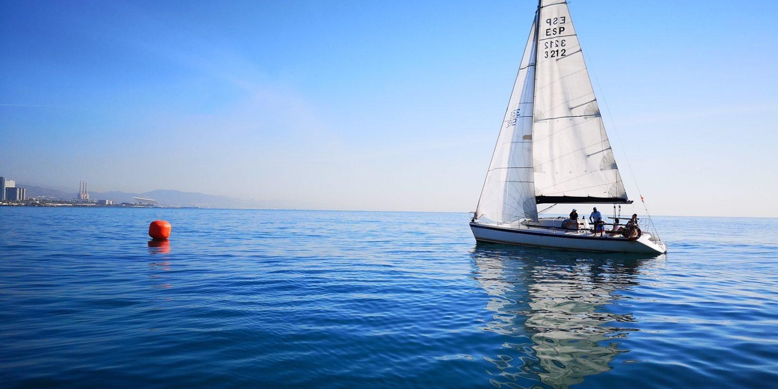 Zeilen in Barcelona, boottochten en rondvaarten